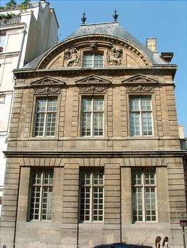Paris - Hôtel de Sully - Pavillon sur la rue Saint-Antoine