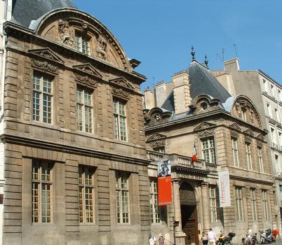 Paris - Hôtel de Sully - Façade sur la rue Saint-Antoine
