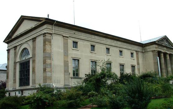 Paris - Museum National d'Histoire Naturelle - Jardin des plantes - Galerie de minéralogie par Rohault de Fleury (1836) - Côté Est