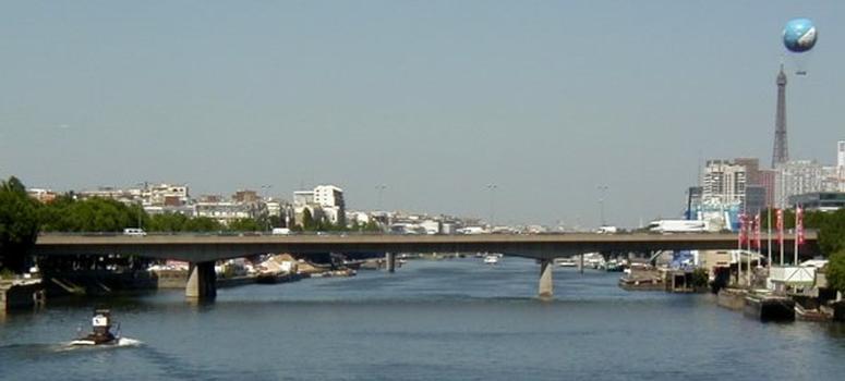 Pont aval du Boulevard périphérique à Paris.