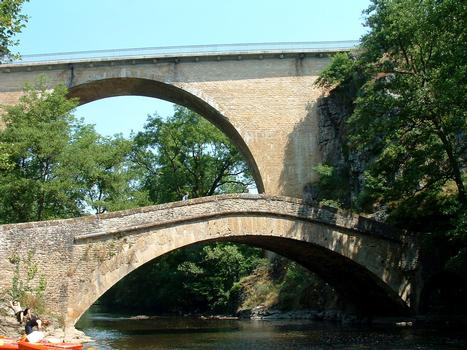 Vieux pont, Pierre-Perthuis