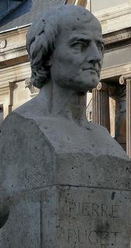 Buste de Pierre Puget à l'entrée rue Bonaparte de l'école des Beaux-Arts à Paris