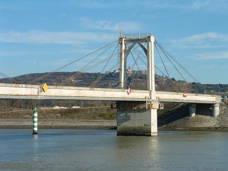 Brücke über den Donzèrekanal in Pierrelatte.