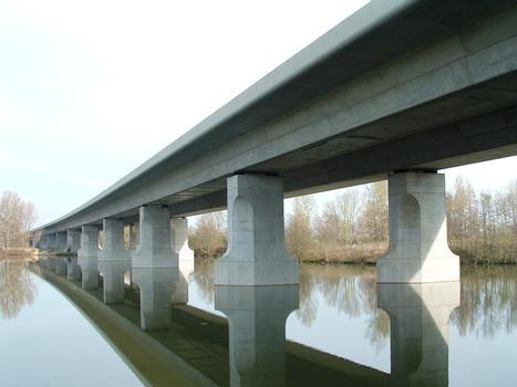 Arsac-Brücke über die Loire bei Andrézieux-Bouthéon (Autoroute A72)