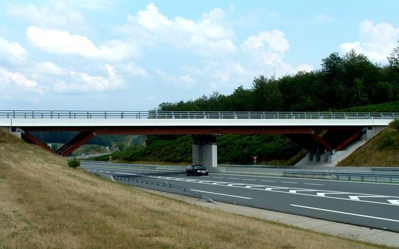 Pont d'accès à l'aire de Chavanon - Ensemble