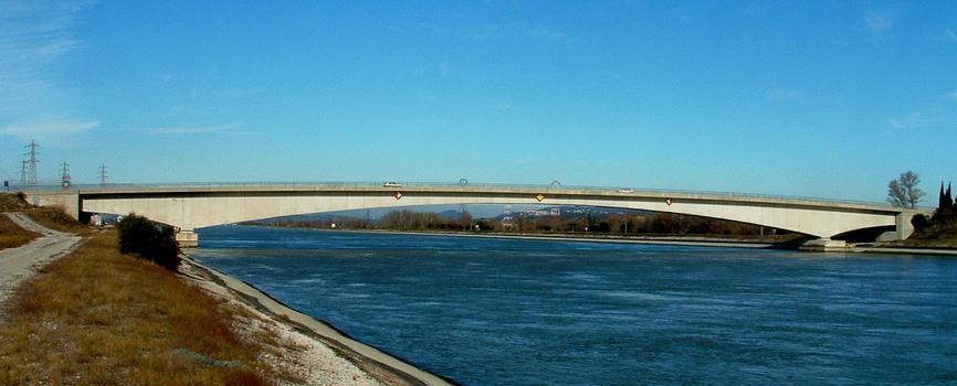 Pont de Tricastin sur le canal de Donzère - Ensemble
