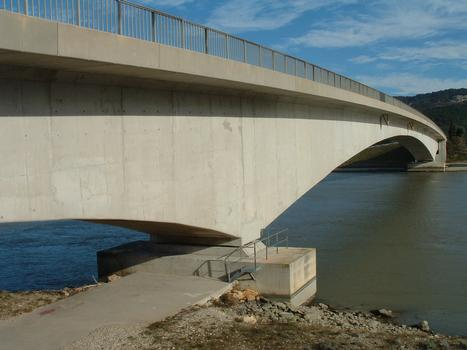 Brücke über den Donzèrekanal in Tricastin