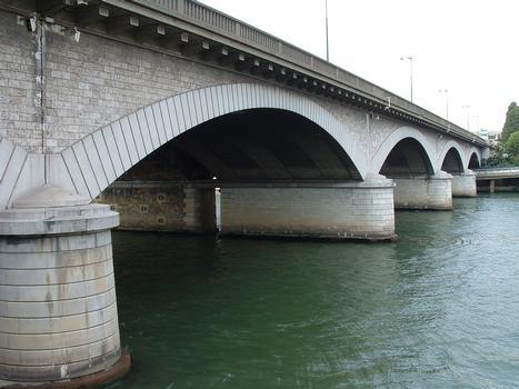 Paris - Pont National - Pont routier construit en 1936-1953 côté amont - Partie au-dessus de la Seine