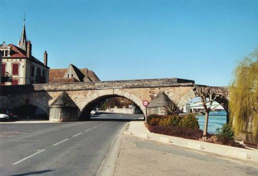 Pont Vieux, Pont-sur-YonneRuines