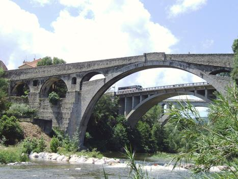 Céret - Teufelsbrücke, Neue Brücke und Eisenbahnviadukt