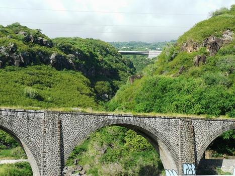 Route des Tamarins et Chemin de fer de la Réunion - Ponts sur la ravine des Colimaçons
