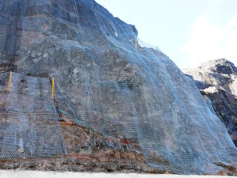 La Réunion - RN1 - Route du Littoral - Filets ASM de protection contre la chute des pierres