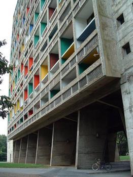 Cité radieuse, RezéFaçade Est