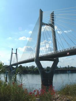 Cable-stayed bridge connecting Tarascon and Beaucaire