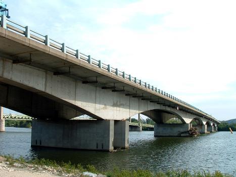 Pont sur le Rhône, Autoroute A9, Roquemaure