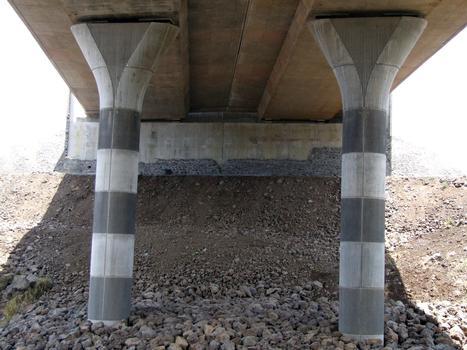 Viaduc de la ravine de l'Hermitage - Deux piles et une culée