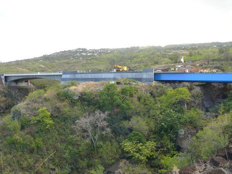 Route des Tamarins - Viaduc de la ravine des Colima