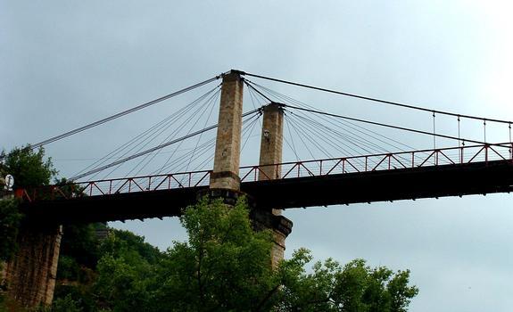 Pont suspendu de Saint-IlpizeSuspension