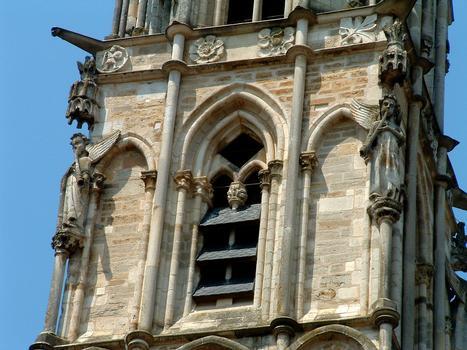 Kirche Notre-Dame, Saint-Père