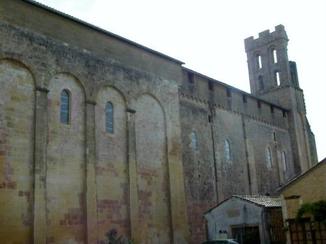 Abbaye de Saint-Avit-Sénieur. Eglise vue du nord