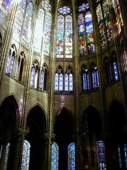 Abteikirche Saint-Denis. Fenster im Chor