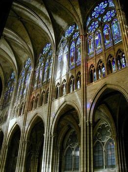 Abteikirche Saint-Denis. Innere Nordfassade des Hauptschiffes