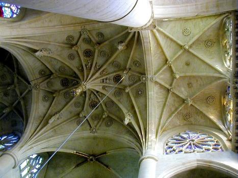 Saint-Etienne-du-Mont Church.Vault of the transept