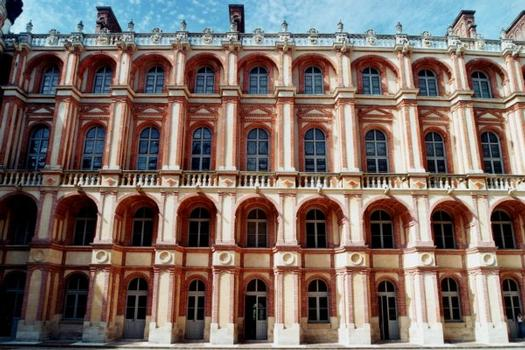Château de Saint-Germain-en-Laye.Cour intérieure - Façade aile nord