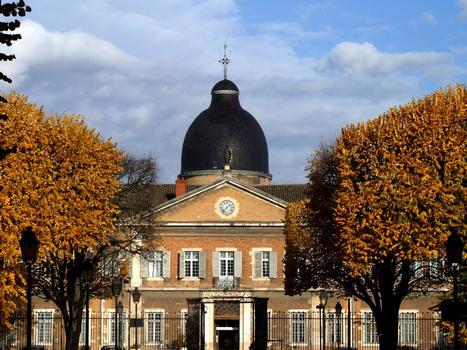 Mâcon - Hôtel-Dieu - Façade sur la rue du 11 novembre 1918