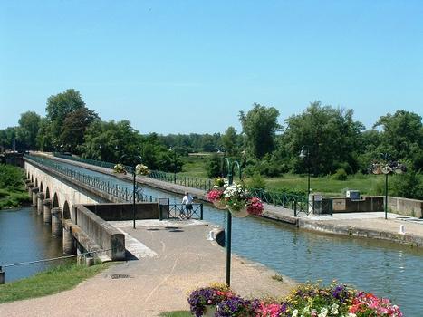 Canal latéral à la Loire - Pont-canal de Digoin