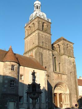 Saint-Andoche Basilica, Saulieu