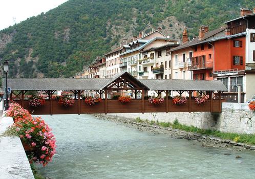 Moûtiers - Passerelle sur l'Isère