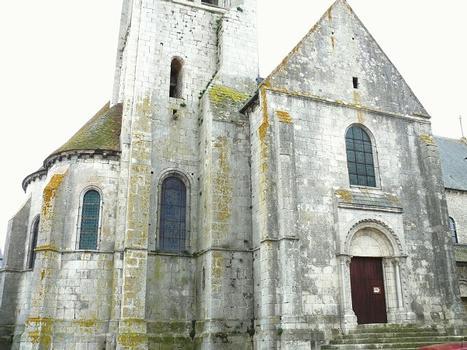 Château-Landon - Église Notre-Dame-de-l'Assomption - Porte latérale, chevet et base de la tour