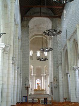 Selles-sur-Cher - Eglise Notre-Dame-la-Blanche (ancienne abbatiale Saint-Eusice) - Nef