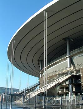 Saint-Denis - Stade de France - Mâts, haubans de stabilité et escaliers