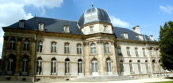 Toul - Hôtel de ville (ancien évêché) - Façade côté jardin