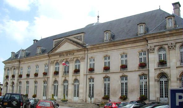 Toul - Hôtel de ville (ancien évêché) - Façade côté cour
