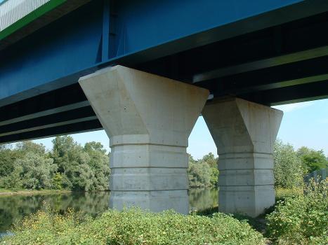 Pont sur la Seine, Triel-sur-Seine Piles près de la Seine