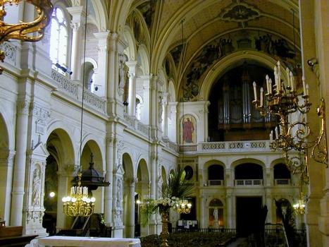Eglise de la Trinité à Paris.Nef intérieur