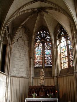 Troyes - Basilique Saint-Urbain - Chapelle droite du choeur et Vierge au raisin (vers 1520)