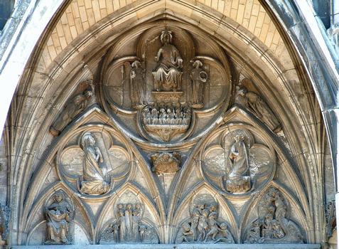 Troyes - Basilique Saint-Urbain - Façade occidentale - Portail - Tympan
