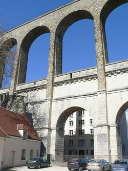 Arcueil - Pont-aqueduc de Marie de Médicis - Les 3 ponts aqueducs: pile gallo-romaine, pont-aqueduc de Marie de Médicis, et le pont de l'aqueduc de la Vanne d'Eugène Belgrand