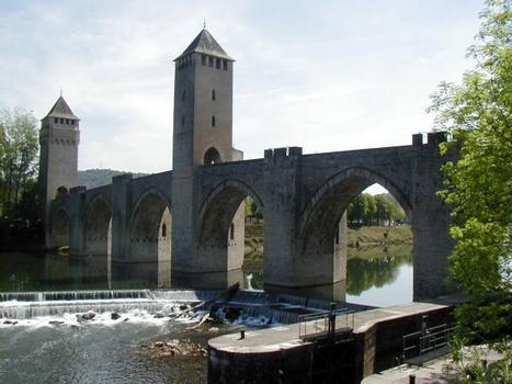 Pont Valentré in Cahors. Upstream view