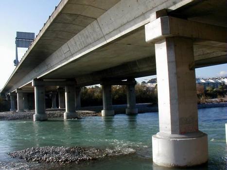 Pont sur le Var (Autoroute A8)