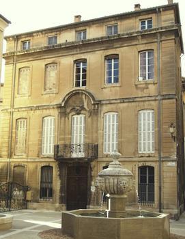 Carpentras - Hôtel Tillia - Façade du milieu du 18ème réalisée par Antoine d'Allemand : Carpentras - Hôtel Tillia - Façade du milieu du 18 ème réalisée par Antoine d'Allemand