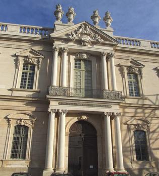 Carpentras - Hôtel-Dieu - Façade principale - Détail de l'entrée