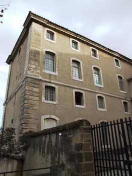 Carpentras - Hôtel-Dieu - Une aile du bâtiment
