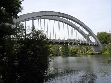 Saint-Pierre-du-Vauvray Bridge