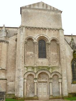 Luçon - Cathédrale Notre-Dame - Façade romane du bras nord du transept
