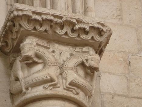Luçon - Cathédrale Notre-Dame - Bras nord du transept - Chapiteau